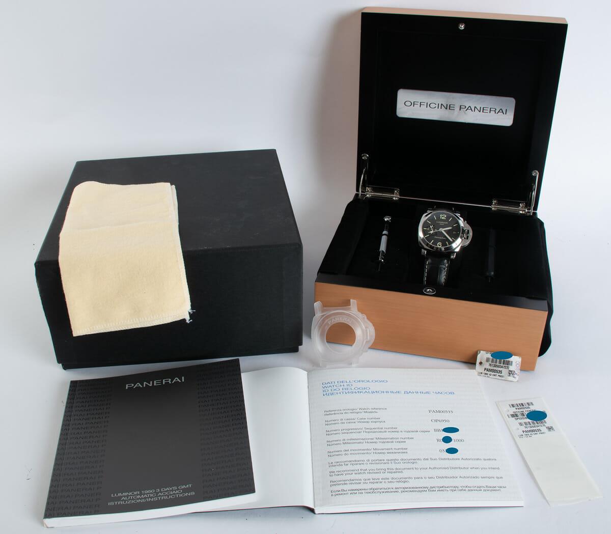Box / Paper shot of Luminor 1950 42 GMT