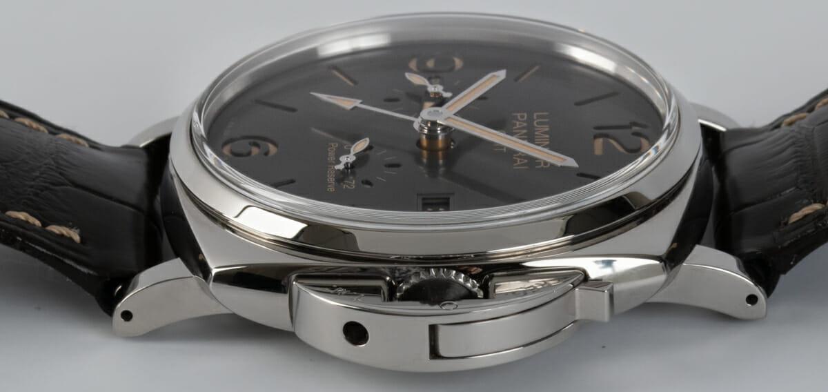 Crown Side Shot of Luminor Due GMT