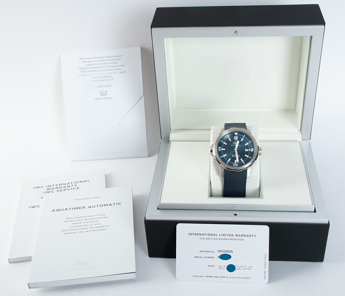 Box / Paper shot of Aquatimer 'Expedition Jacques-Yves Cousteau'