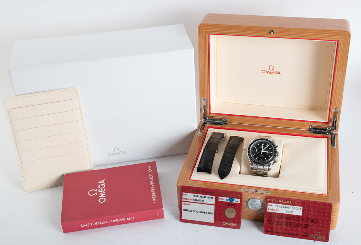Box / Paper shot of Speedmaster Moonwatch Co-Axial Chronograph