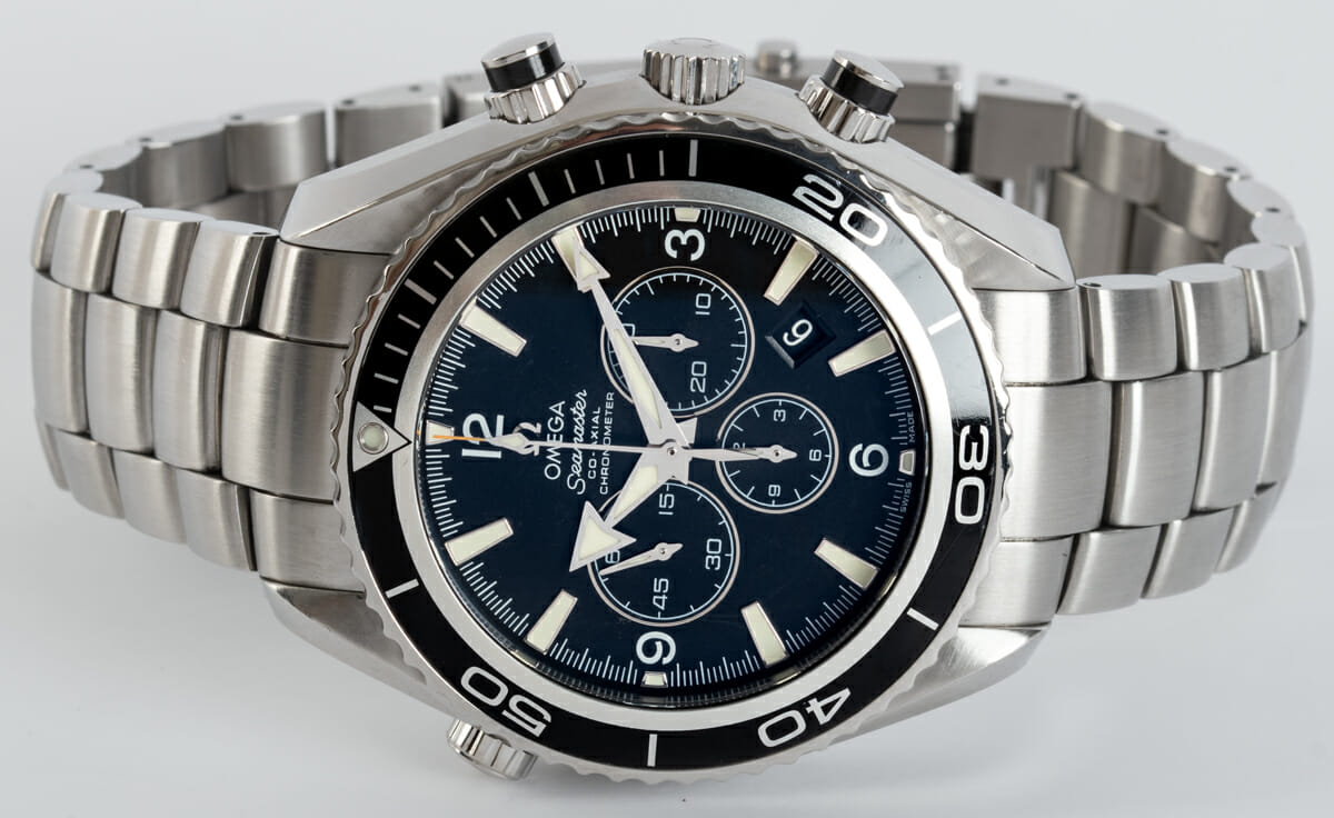 Front View of Seamaster Planet Ocean Chronograph