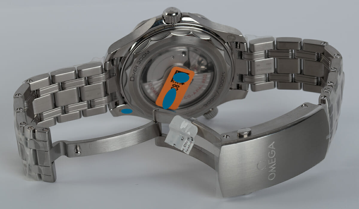Open Clasp Shot of Seamaster Diver 300M Master Chronometer