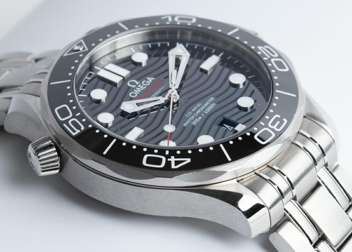 9' Side Shot of Seamaster Diver 300M Master Chronometer