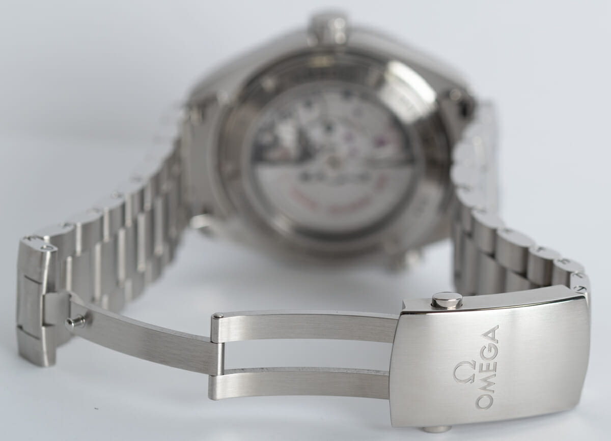 Open Clasp Shot of Seamaster Planet Ocean Big Size