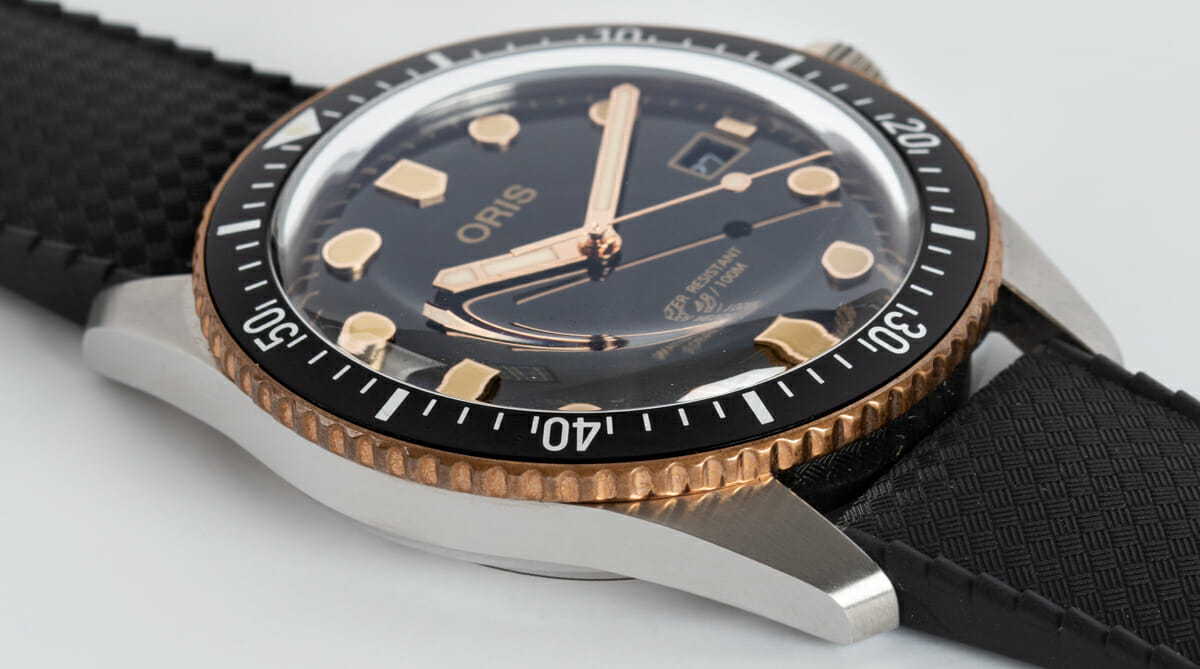 9' Side Shot of Divers Sixty-Five