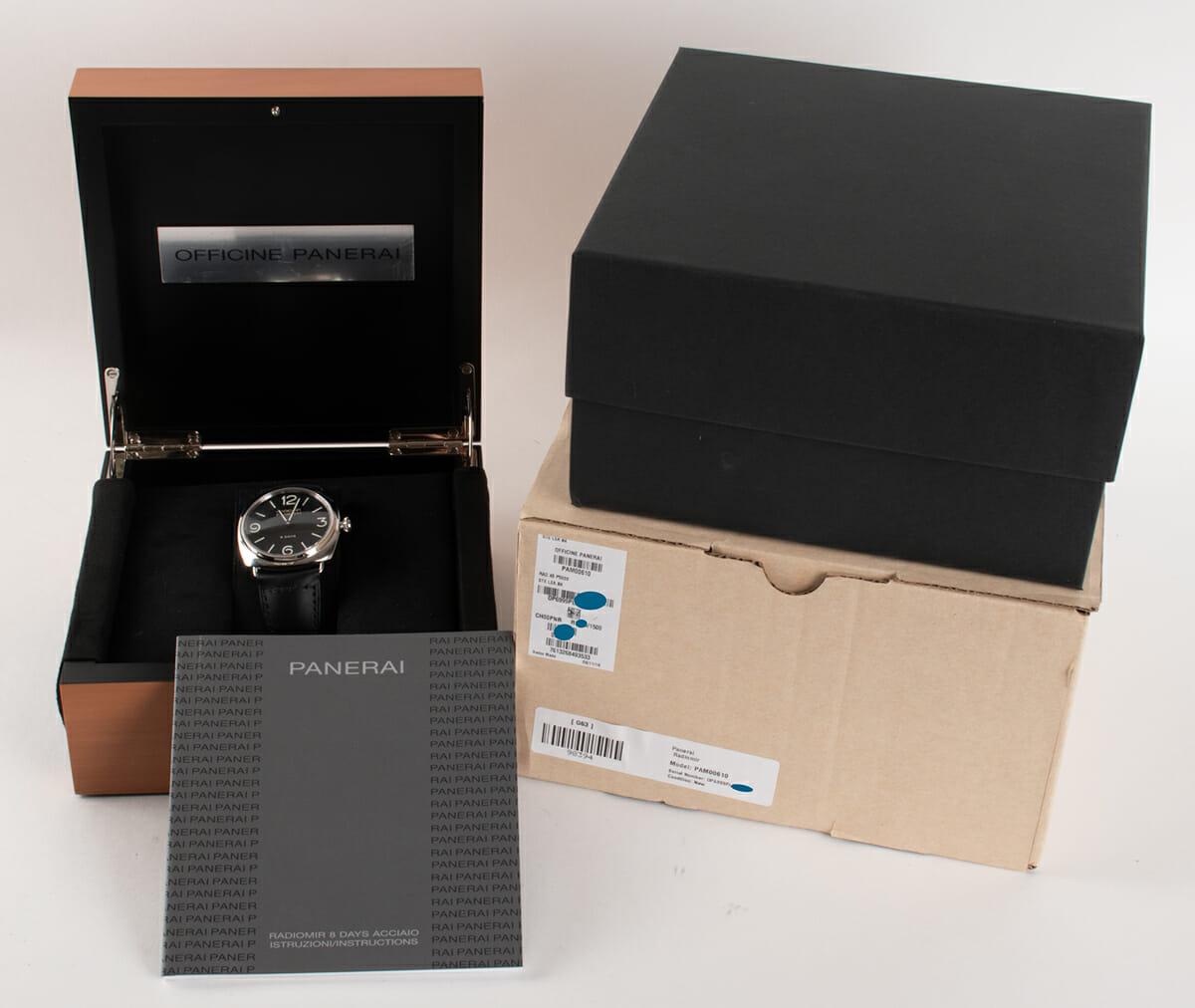Box / Paper shot of Radiomir Black Seal 8 Days