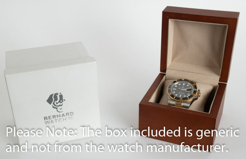 Box / Paper shot of Submariner Date
