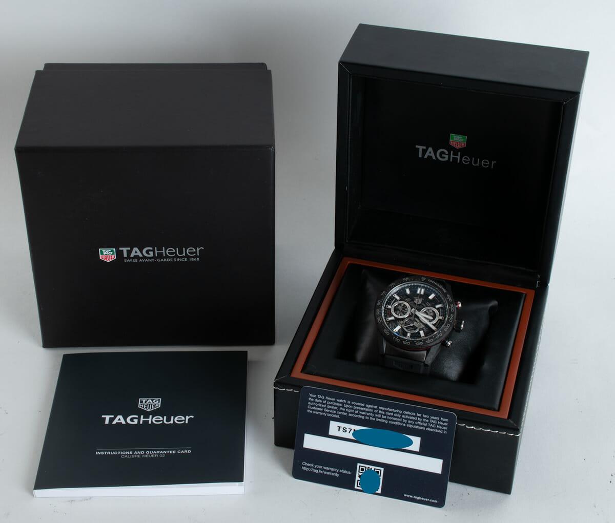 Box / Paper shot of Carrera Chronograph