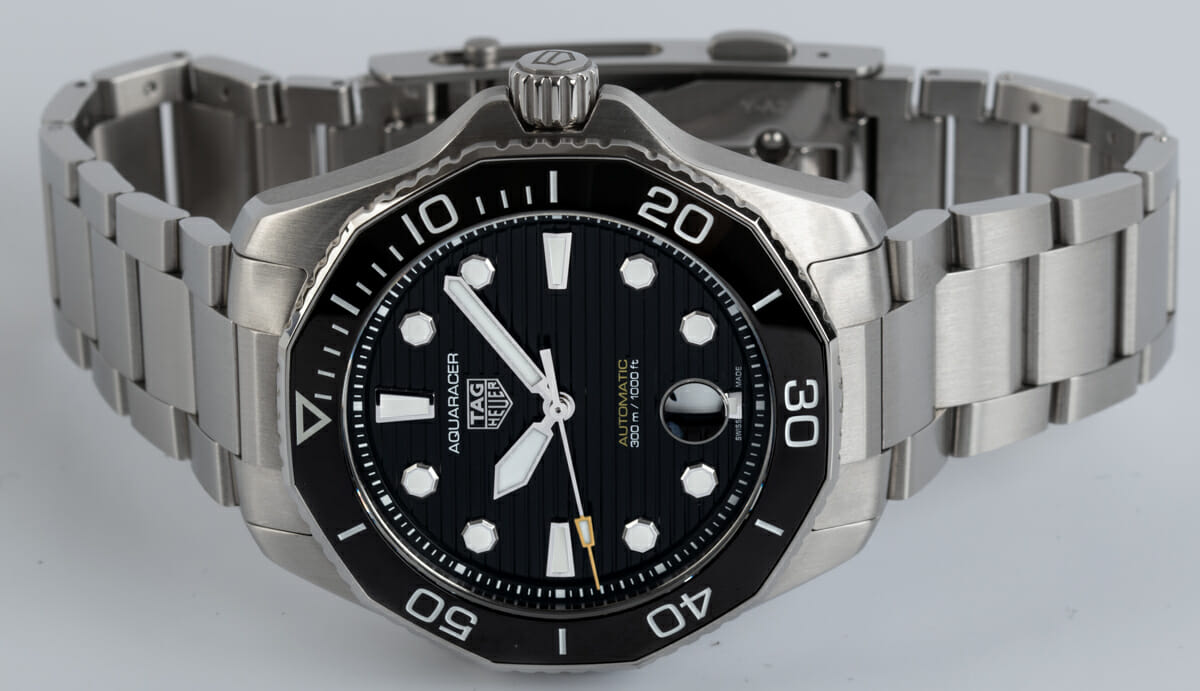 Front View of Aquaracer Professional 300