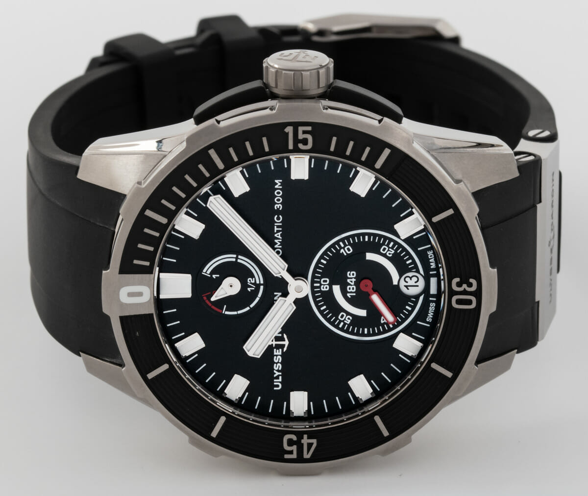 Front View of Diver Chronometer 44mm